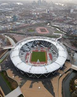 olympic_stadium_and_london_skyline