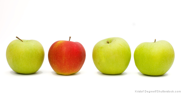 four_apples_one_red